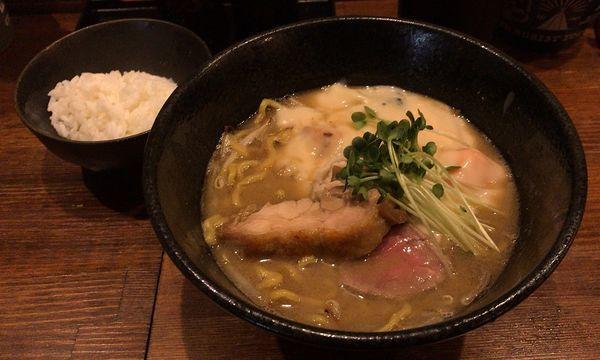 「味噌シチューラーメン+ライス小(850円+50円)」@麺屋 神風の写真