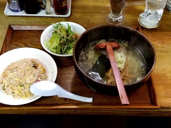 「チャーハンセット(塩ラーメン+チャーハン)900円」@らーめん・ぎょーざ たつきの写真