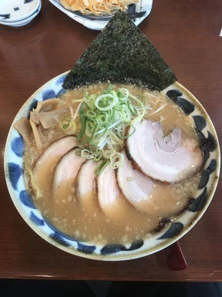 「醤油とんこつチャーシューメン」@拉麺しるしの写真