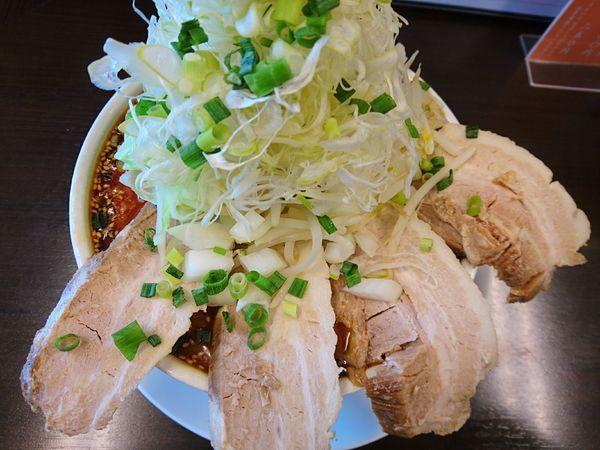 「はみ出る辛味噌ネギWチャーシュー麺+中盛り」@麺家 しんの写真