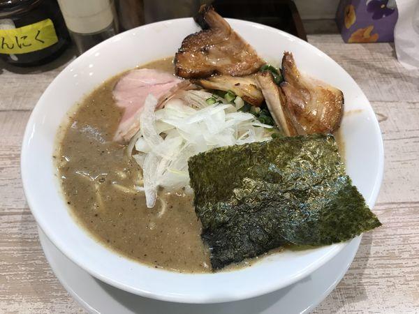 「特濃煮干ラーメン」@麺garage 肉ヲ見ルの写真