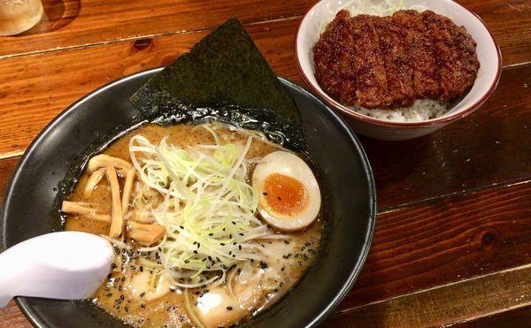 「黒旨 ソースカツ丼」@麺屋はやたろう 立川店の写真