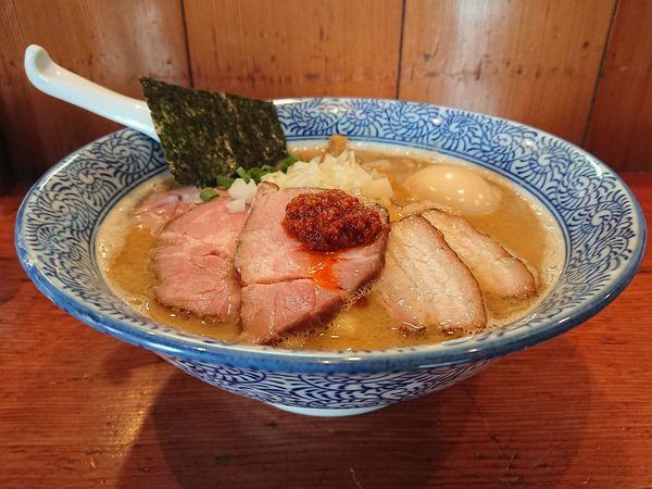 「濃厚豚骨魚介ちゃーしゅーめん(手揉み麺)+大人の味玉」@麺処 ほん田の写真