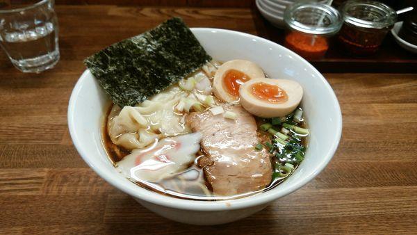 「ワンタン麺 味玉」@中華そば むら田の写真