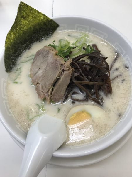 「ラーメン(¥500)」@博多天神 新宿東口駅前店の写真