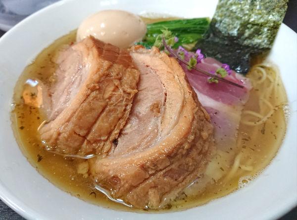 「塩煮干しそば+厚切り豚」@陽はまたのぼるの写真