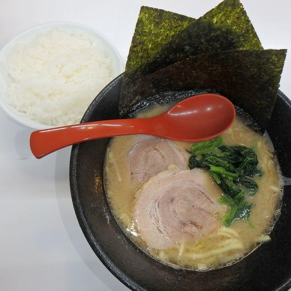 「とんこつ (塩) (720円)(硬め)、ごはん(並)(108」@麺屋 壱の写真