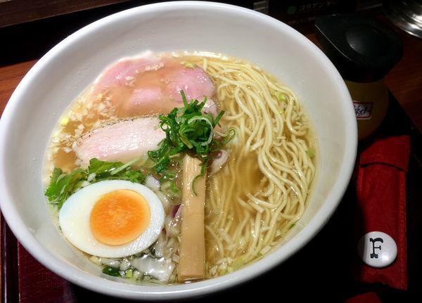 「京鴨とノドグロ煮干しそば 煮卵付き」@拳ラーメンの写真