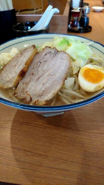「醤油とんこつ790円大盛ランチ無料野菜脂増し」@らーめん勇の写真
