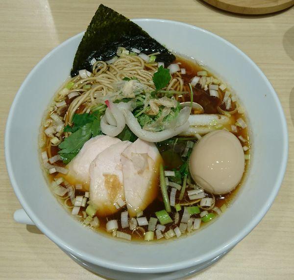 「鶏・煮干・蛤のトリプルSOBA+味玉」@むぎとオリーブ 日本橋店の写真