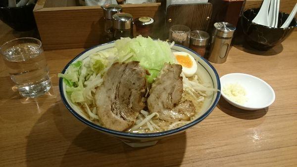 「醤油とんこつ・大・柔らかめ(ヤサイアブラ)¥890」@らーめん勇の写真
