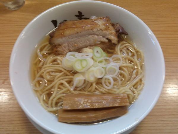 「らーめん macro 焼豚→厚め、メンマ→厚2本」@人類みな麺類の写真