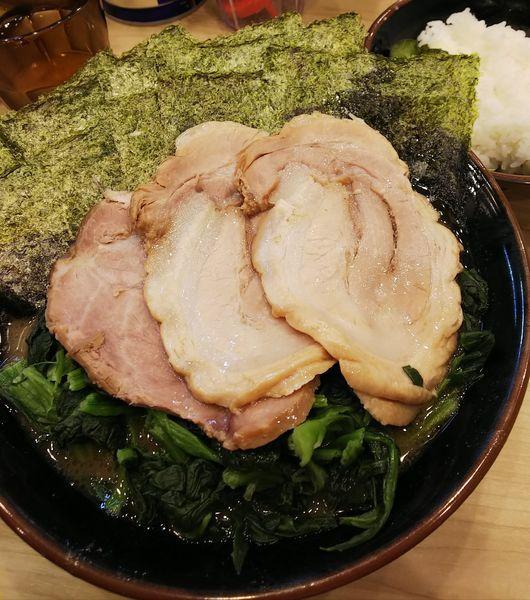 「チャーシュー麺(並)青菜+のり増し」@横浜ラーメン 武蔵家 西千葉店の写真