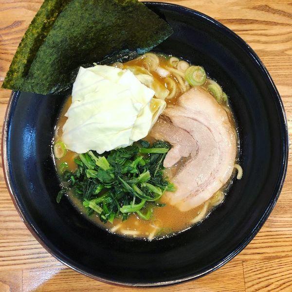 「豚骨醤油ラーメン(大盛り麺硬め)」@らあめん 万咲 松本店の写真