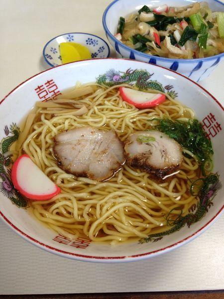 「中華そば470円 志乃田丼620円」@朝日屋の写真