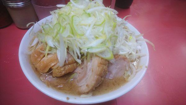 「小豚+ネギ」@ラーメン二郎 桜台駅前店の写真