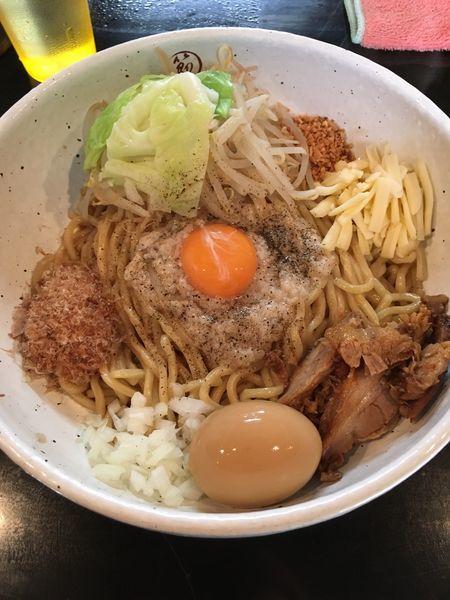 「まぜ豚そば+味玉(850円)」@まるぶし とんやの写真