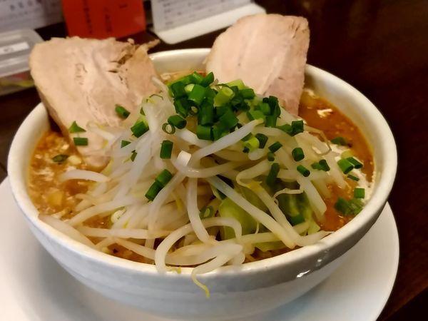 「はみ出る味噌チャーシュー麺(並盛・150g)1,200円」@麺家 しんの写真