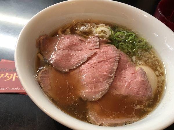 「贅沢焼牛らぁ麺 1,050円」@牛骨らぁ麺 マタドール 本店の写真