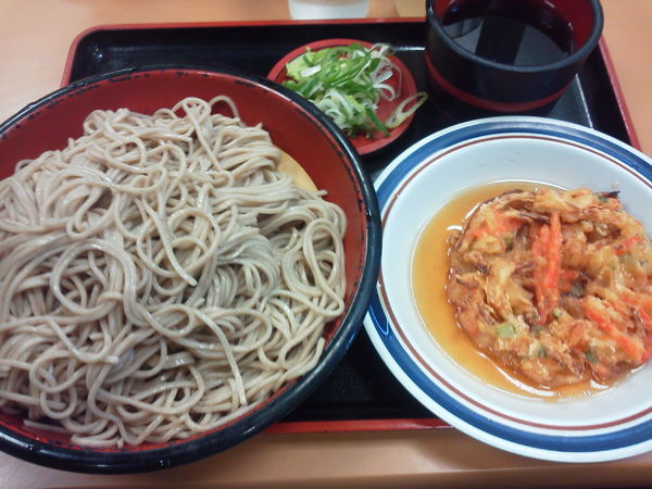 「2玉もり天ぷら付 500円」@名代 富士そば 道玄坂店の写真