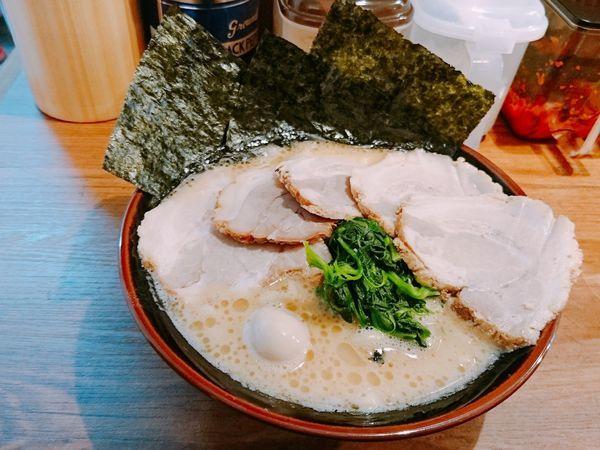 「醤油ラーメン チャーシュー」@極味家 日ノ出町店の写真