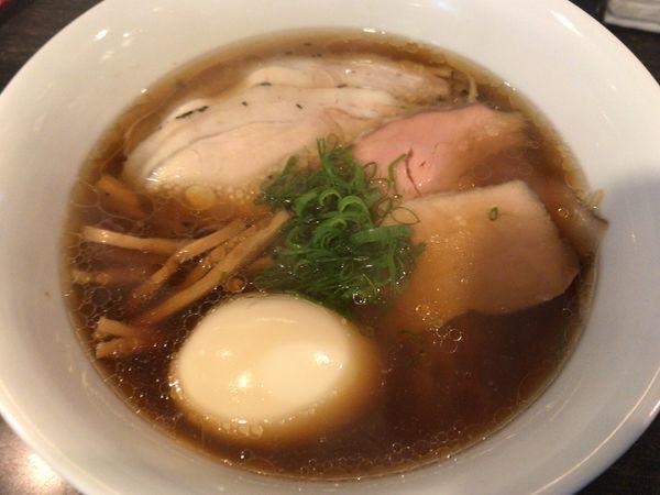 「醤油Soba味玉チャーシュー1150円」@麺バル HACHIKINの写真