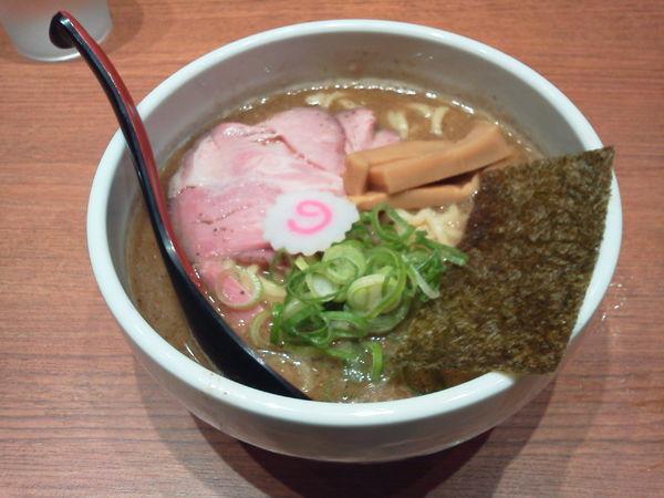 「煮干中華そば 780円」@煮干中華そば 鈴蘭 新宿店の写真