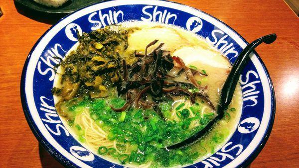 「高菜ラーメン」@博多ラーメン Shin-Shin 博多デイトス店の写真