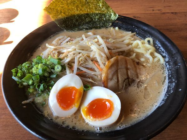 「白マル味玉味噌らーめん918円」@マルヤ商店の写真