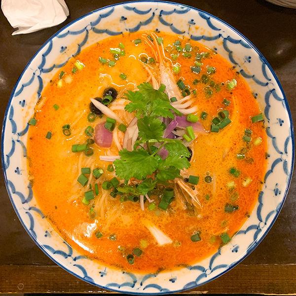 「【12月限定】本気のトムヤムクンラーメン」@づゅる麺 池田の写真