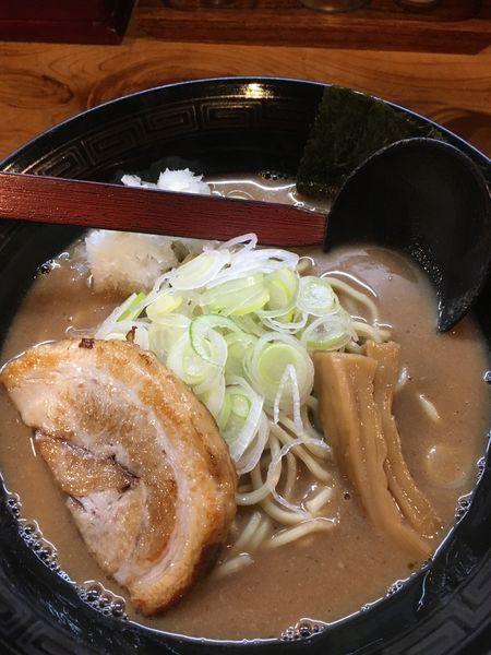 「和風濃厚魚介らーめん」@和風濃厚魚介豚骨らーめん 麺屋 みちすけの写真