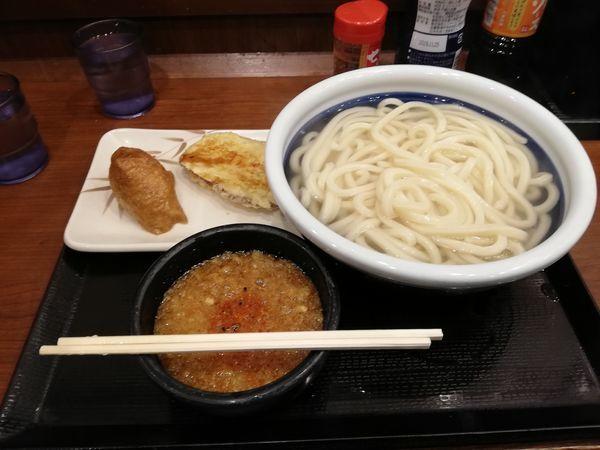 「釜揚げうどん(得)+サツマイモ天ぷら+イナリ」@丸亀製麺 小岩PoPo店の写真