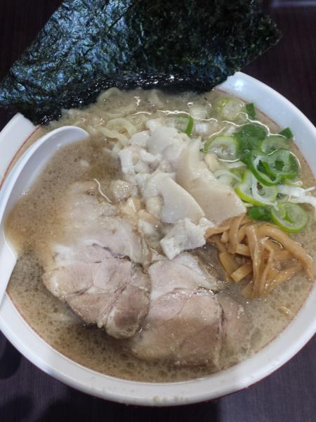 「ラーメン小650円(身入り)」@手打ち中華そば 酒田の写真