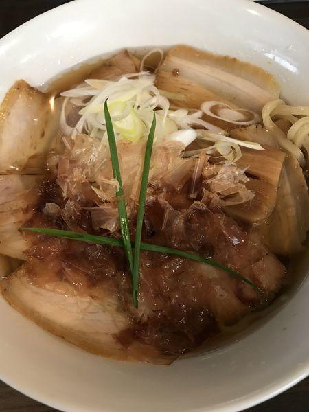 「醤油 チャーシュー」@手打ち麺 やす田の写真