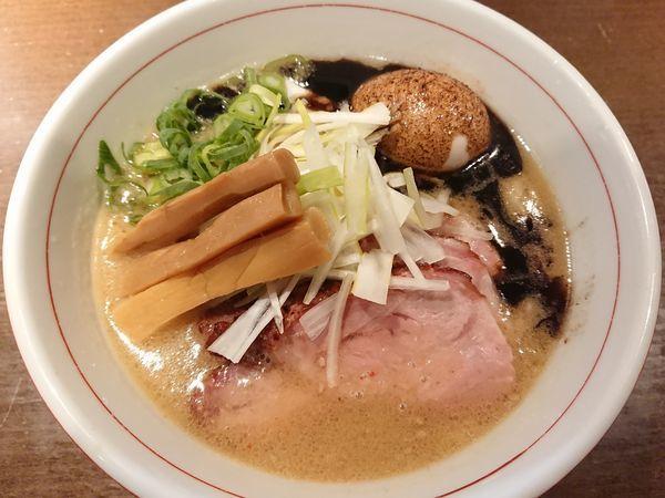 「味噌らぁ麺+釜焼きチャーシュー」@麺や 虎徹の写真