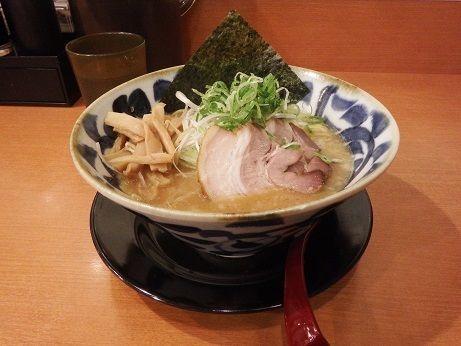 「醤油とんこつラーメン」@拉麺しるしの写真