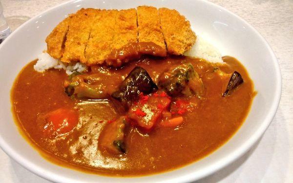 「野菜カレー+カツ」@カレーハウスリオ 相鉄ジョイナス店の写真