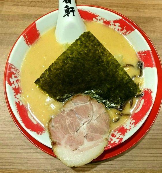 「辛味噌豚骨ラーメン(辛さ1 中華麺) 替玉(博多麺)」@熟成豚骨ラーメン専門 一番軒 東京歌舞伎町本店の写真