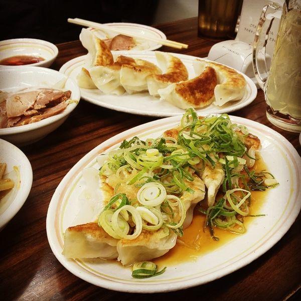 「ジャンボ餃子+おろしポン酢餃子」@天下一 平河町店の写真