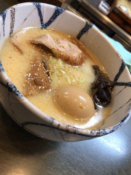 「しおらーめん 味玉」@風来居 新宿店の写真