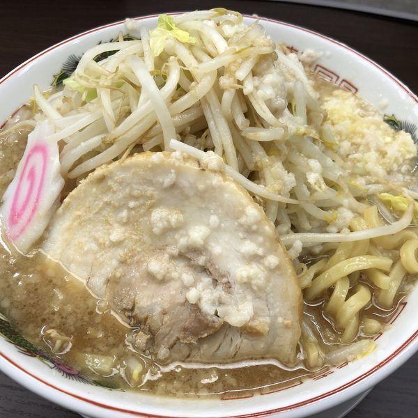 「豚醤油ラーメン(大盛)野菜多め、背脂多め、ニンニクあり」@ラーメン専門店 源 GENの写真