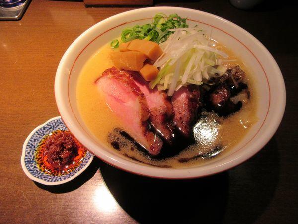 「期間限定 味噌らぁ麺(850円)+辛味噌50円」@麺や 虎徹の写真