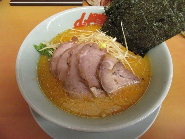「特製味噌ネギチャーシュー麺(1070円)」@山岡家 谷田部店の写真