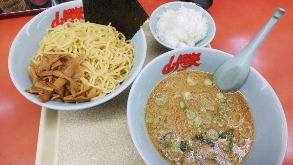 「醤油つけ麺 大盛 920円」@ラーメン山岡家 桑名店の写真