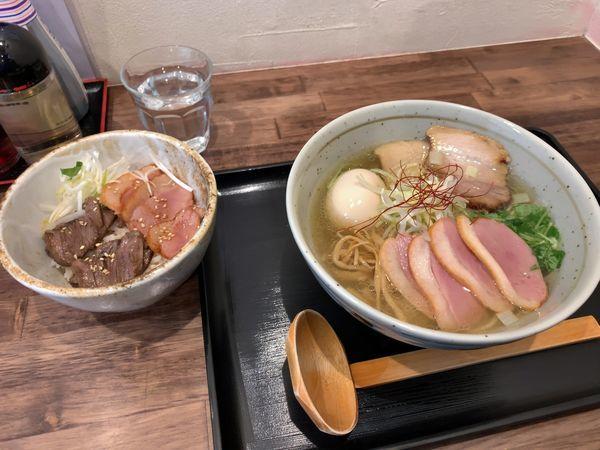 「鴨出汁 白 特製トッピング チャーシュー丼」@麺屋 葵の写真