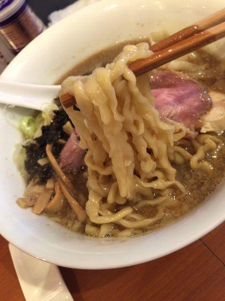 「煮干しラーメン(ワンタントッピング)」@自家製手もみ麺 鈴ノ木の写真