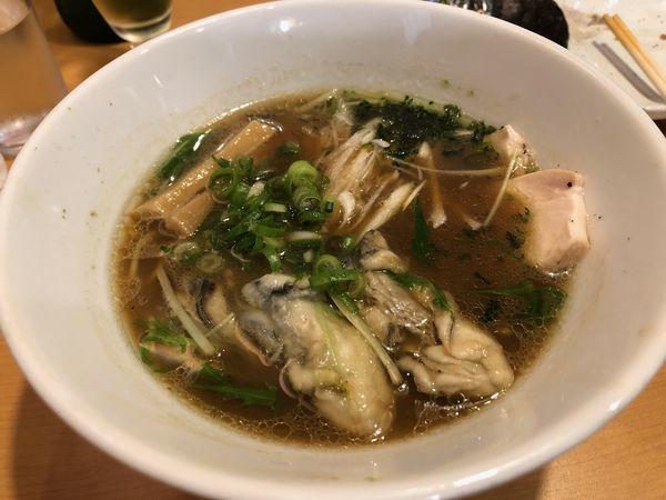 「牡蠣醤油らーめん」@醤油と貝と麺そして人と夢の写真