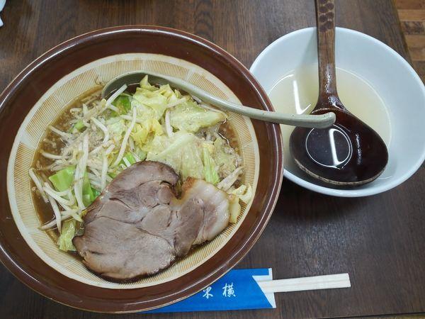 「特性味噌ラーメン大盛 背油」@ラーメン 東横 笹口店の写真