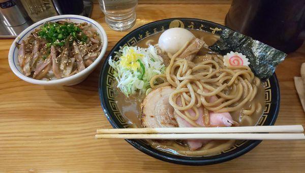 「味玉そば(大)+ローストチャーシューご飯」@中華蕎麦うゑずの写真