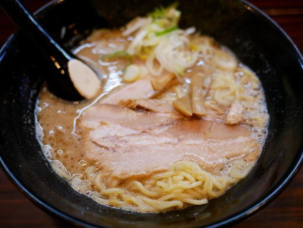 「ラーメン 細麺+大盛」@ラーメン長山の写真
